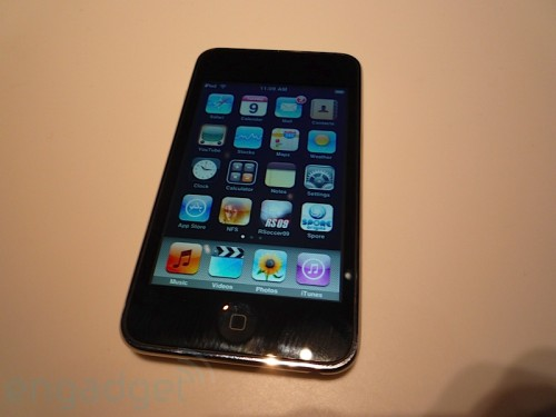 ipod-touch-2g-hands-on-02-500-x-375
