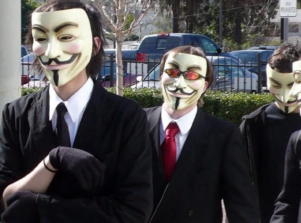 Anonymous İsrail'in resmi internet sitelerine saldırıyor