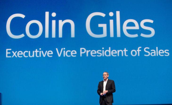 Nokia'nın satıştan sorumlu başkan yardımcısı Colin Giles görevinden ayrılıyor