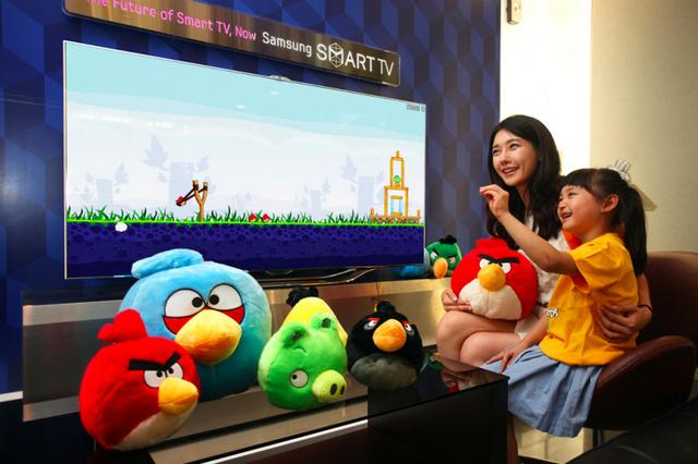 Hareketler ile oynanabilecek Angry Birds versiyonu bu ay içinde Samsung'un akıllı televizyonlarına geliyor