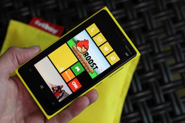 Nokia Angry Birds Roost ve diğer özel Lumia uygulamalarını duyurdu