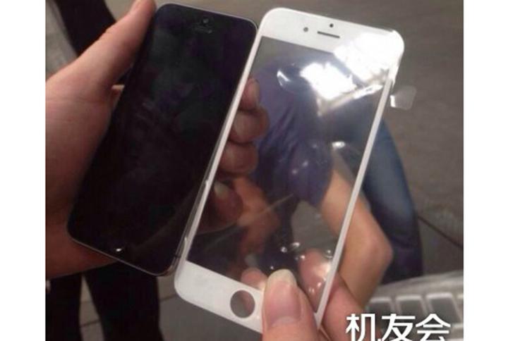 apple-iphone-6-on-panel-150414