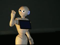 Softbank'in duygusal robotu Pepper Fransa yolcusu