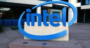 Intel'in RealSense teknolojisi insansız hava araçlarına tek başlarına uçmayı öğretiyor