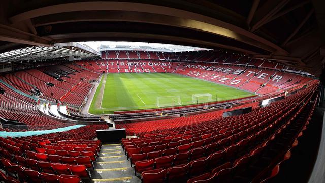 Manchester United Old Trafford'da tablet kullanımını yasakladı