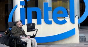 Stephen Hawking'in konuşma yazılımına ücretsiz erişilebilecek