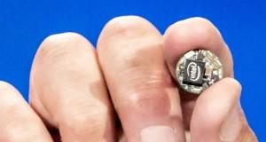 Intel Curie Module herkesin düğme boyutunda giyilebilir bir ürün hazırlamasını mümkün kılıyor