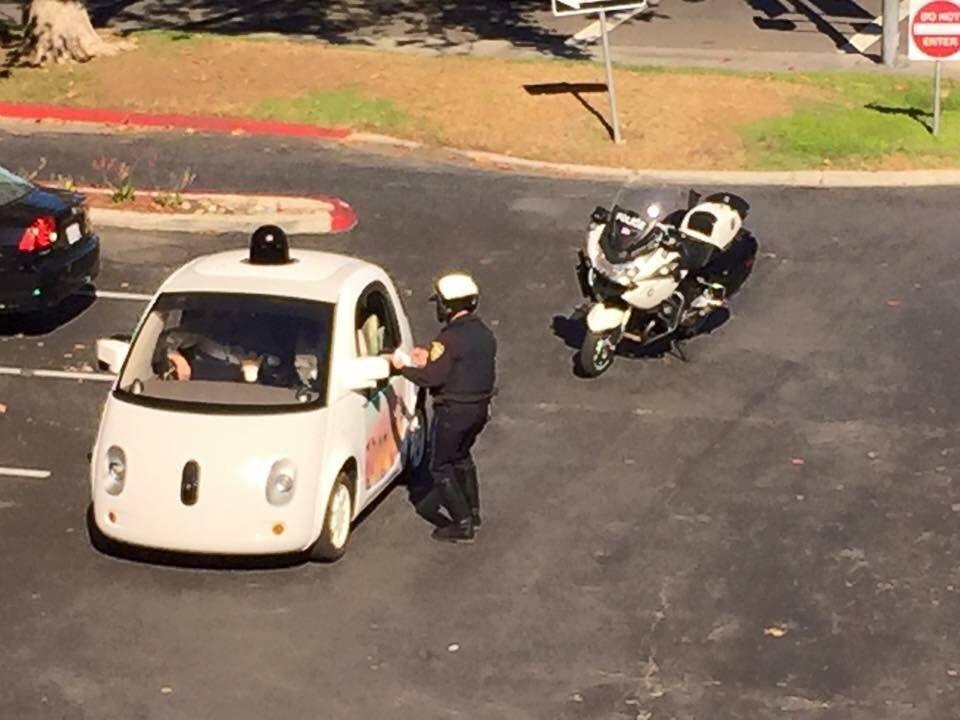 google-surucusuz-otomobil-polis-131115