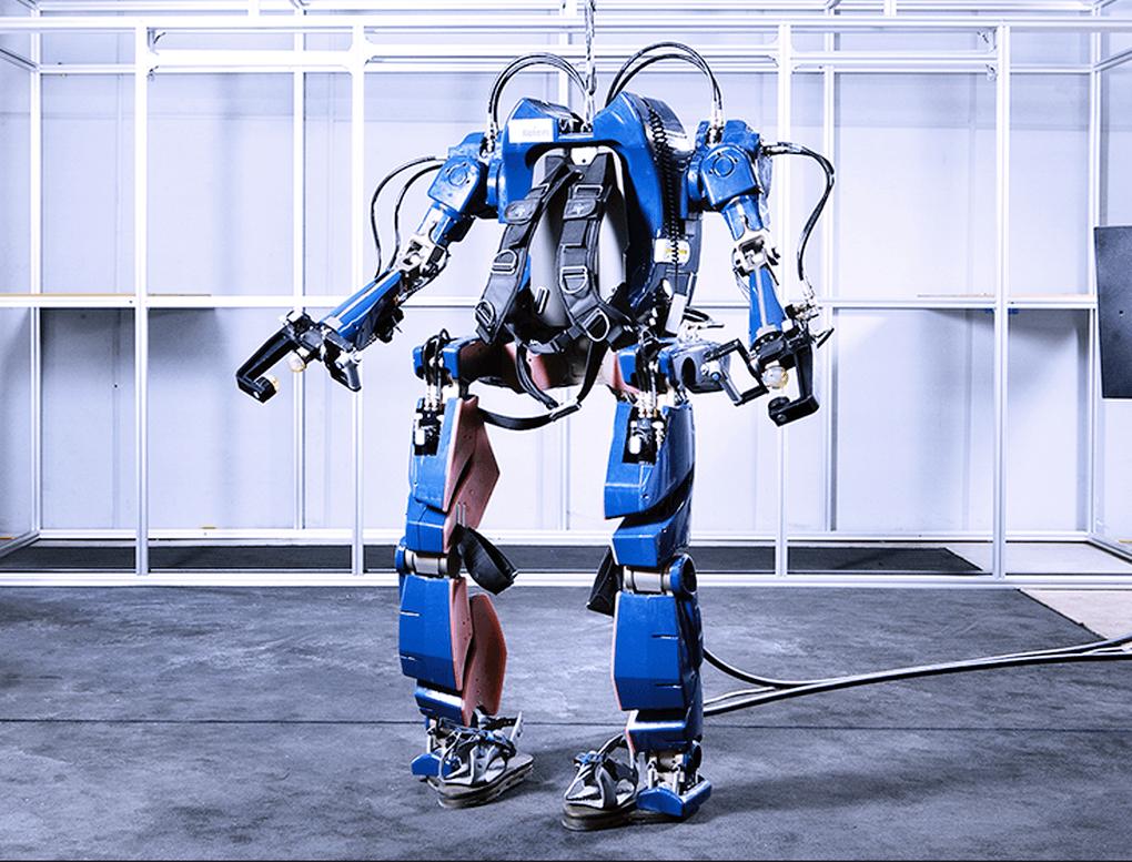 hyundai-giyilebilir-robot-130516-1