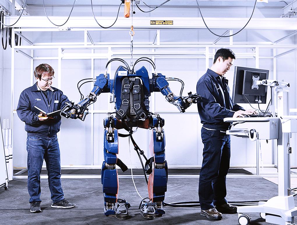 hyundai-giyilebilir-robot-130516-2