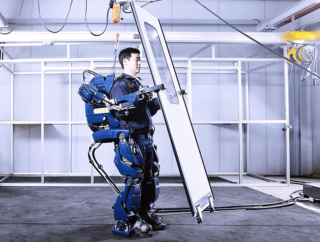 hyundai-giyilebilir-robot-130516-3