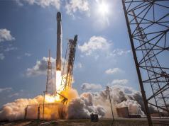 SpaceX en güçlü Falcon 9 roketinin kalkışını bir gün erteledi