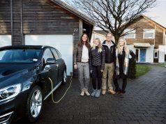 Volvo sürücüsüz otomobil testlerini gerçek ailelerle yapacak