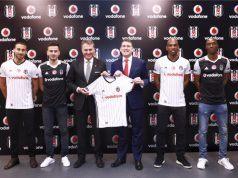 Beşiktaş Vodafone'u iki yıl daha formasında taşıyacak