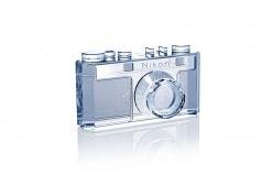 Nikon 100'üncü yaşını özel üretim ürünler ve hediyelik eşyalarla kutluyor