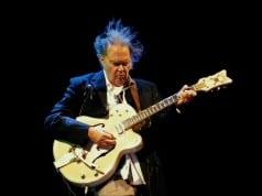 Neil Young şarkıları için büyük bir çevrim içi arşiv hazırlıyor