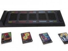DropMix kart oyunu oyuncularını bir DJ'e dönüştürüyor