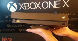 Microsoft Xbox One X için sanal ve karma gerçeklik planlarını rafa kaldırdı
