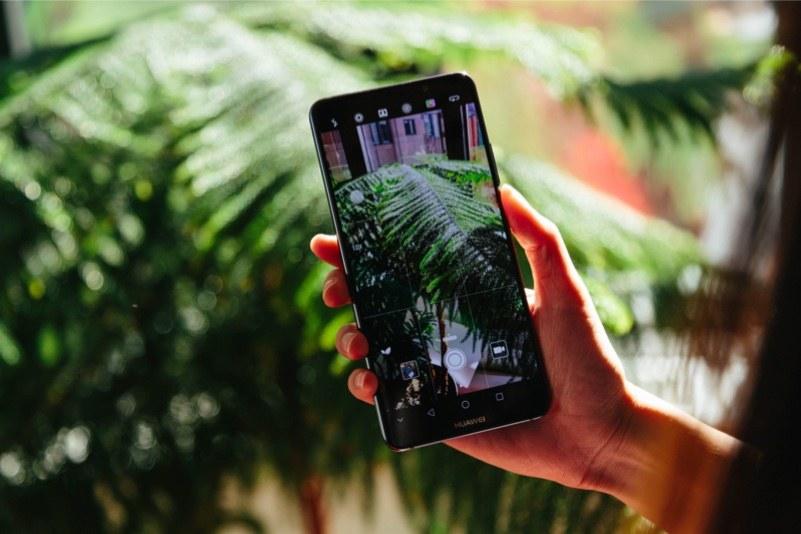 Huawei Mate 20 Pro ekrana entegre parmak izi tarayıcısıyla gelebilir