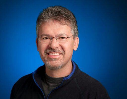 Apple yapay zekâ ekibinin yönetimini John Giannandrea'ya teslim etti