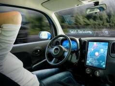 MIT sürücüsüz otomobillere gerçek sürücüler gibi şerit değiştirmeyi öğretiyor