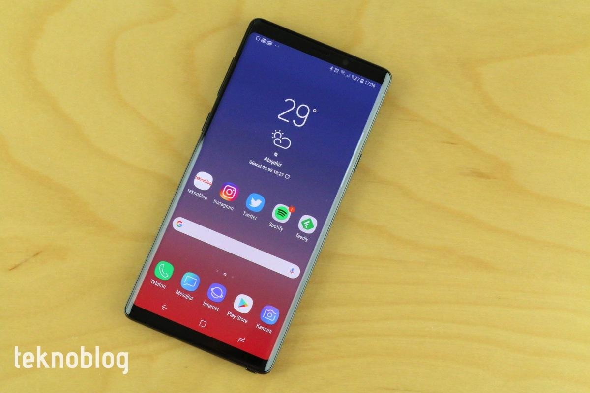 Samsung akıllı telefon pazarında Çinlilerin nefesini ensesinde hissediyor