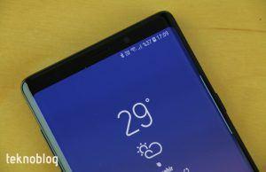 Samsung ekrana entegre ön kamera için prototipleri test ediyor