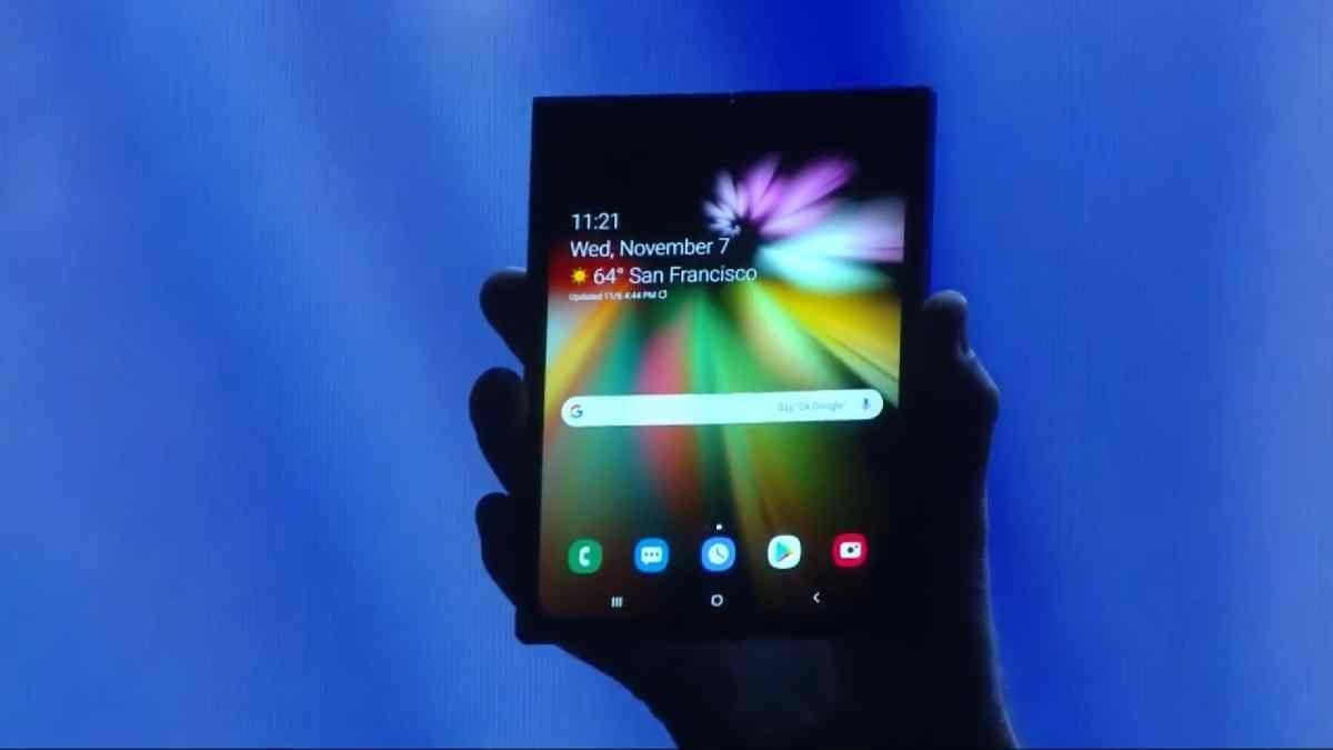 samsung katlanabilir ekran