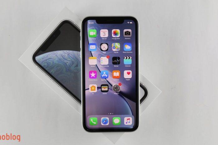 Video: iPhone XR Kutusundan Çıkıyor